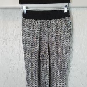 🖤 3/$15 🖤 Divided jogger black and white pants